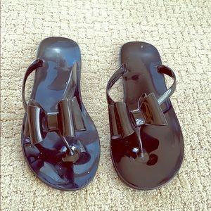 Express bow sandals